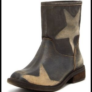 Lucky brand distressed star boots